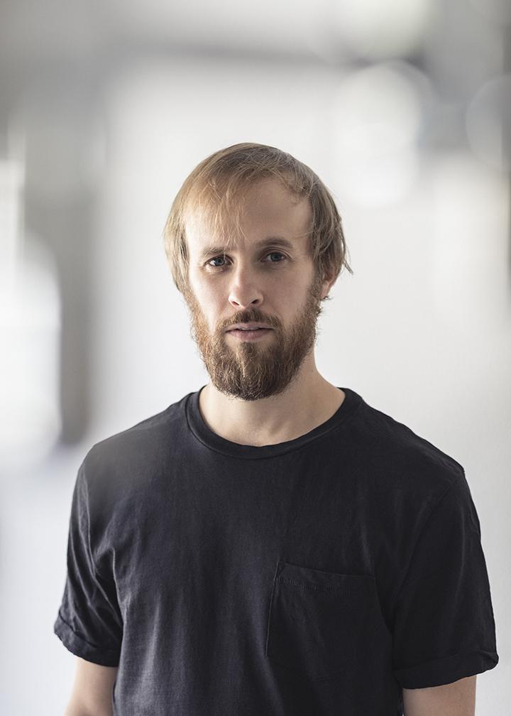 """""""Naujasis Baltijos šokis"""": Moritzas Ostruschnjakas ir jo pavogtas spektaklis"""