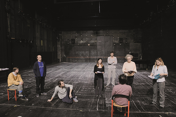 """""""Sirenose"""" spektaklį apie holokaustą pristatantis Jernej Lorenci"""