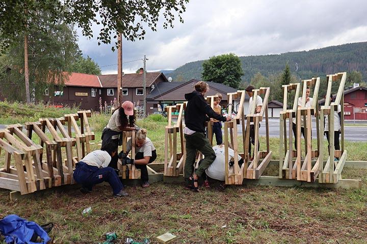 Keliaujančios architektūros dirbtuvės: nuo Kumečių kaimelio iki Norvegijos slėnių